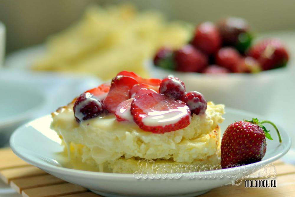 Готовая запеканка с ягодами