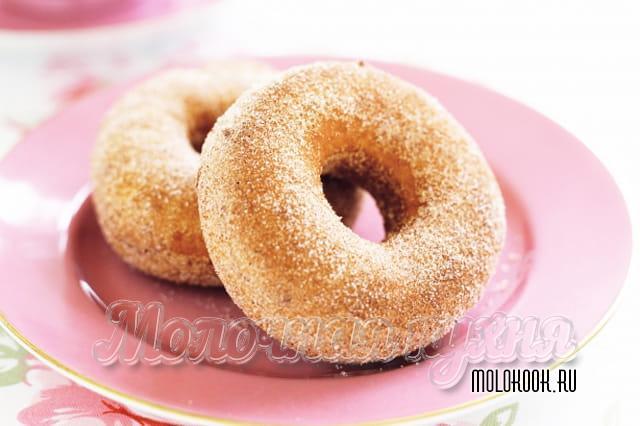 Пончики на основе кефира с добавлением корицы