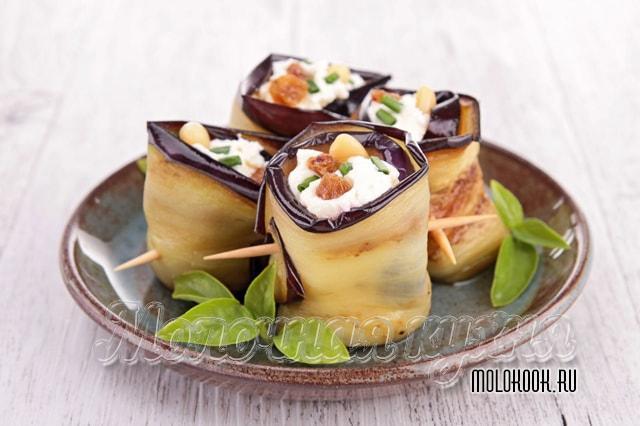 Рулетики, начиненные орехами и сыром брынза