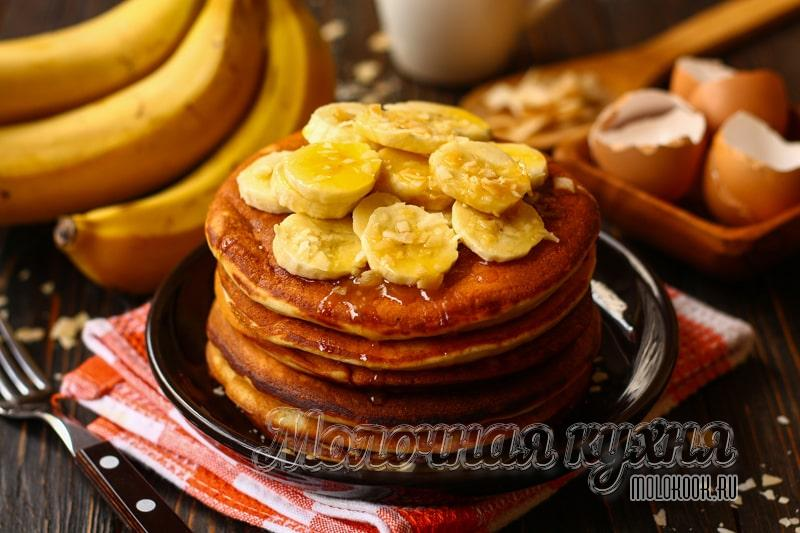 Хотите приготовить пышные банановые панкейки – делайте их на кефире