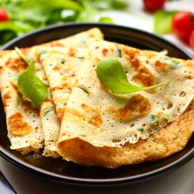 Сырные блины с зеленью - просто, быстро и вкусно