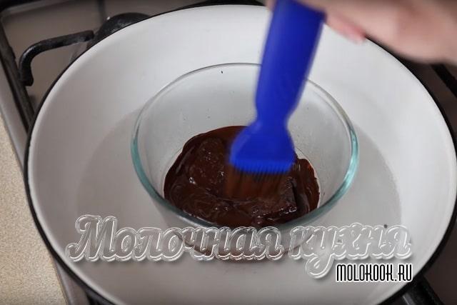 Растапливание шоколадной плитки