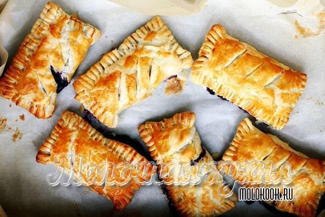Слойки с начинкой из варенья - очень вкусные пирожки