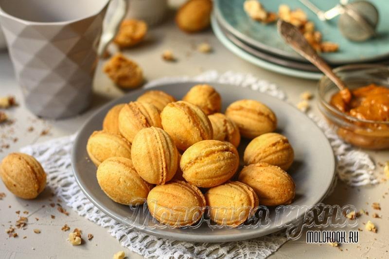 Печенье «Орешки» с вареной сгущенкой