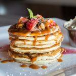 7 отличных рецептов пышных панкейков на кефире - приготовьте на завтрак