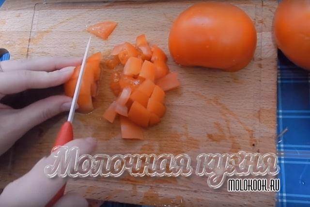 Измельчение помидора