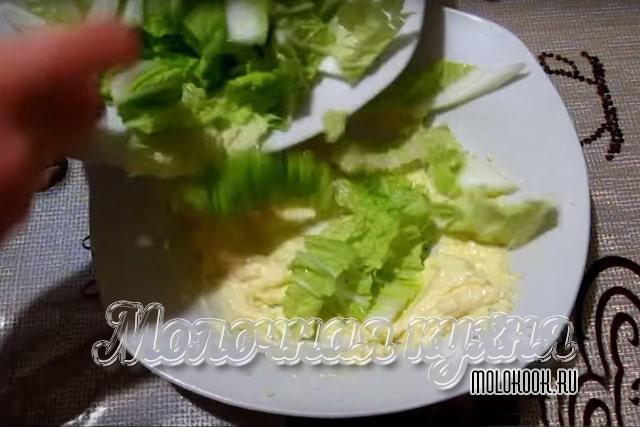 Добавление капусты в соус