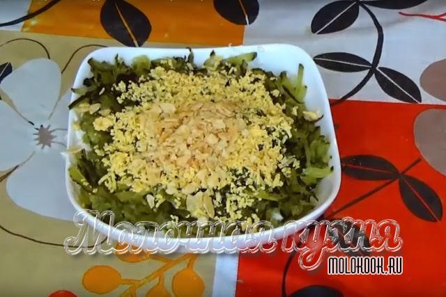 Рецепт с картофельными чипсами и луком