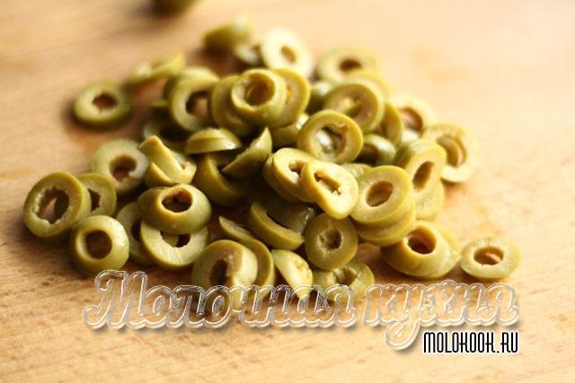 Нарезанные оливки