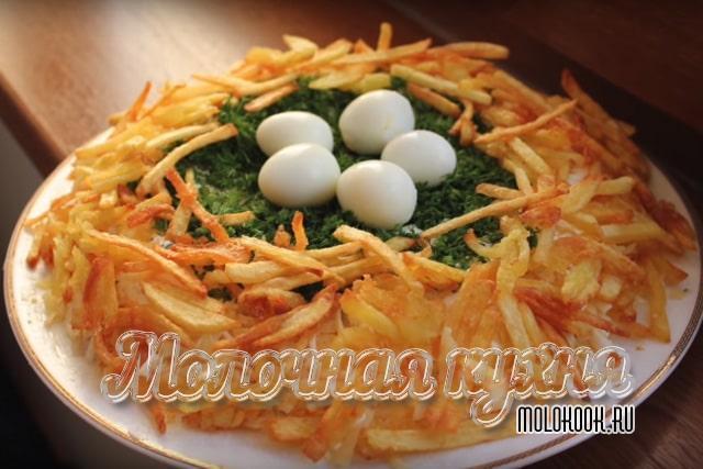 Рецепт с сыром, маринованным луком, свежими огурцами
