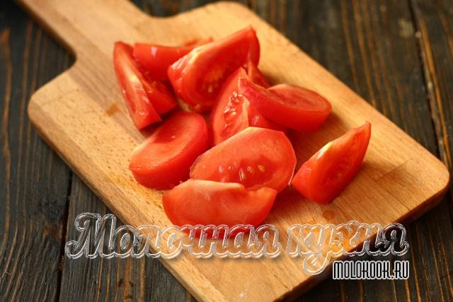 Кусочки томата