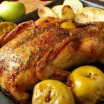 Лучшие рецепты запекания гуся с яблоками в духовке – очень вкусно, сочно, с хрустящей корочкой