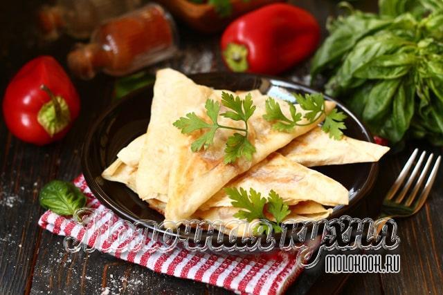 Лавашные треугольники, обжаренные на сковородке