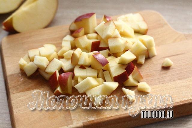 Яблочные кубики