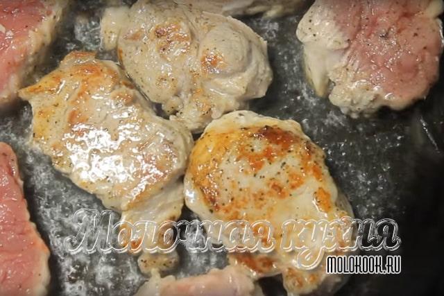 Обжаривание свинины