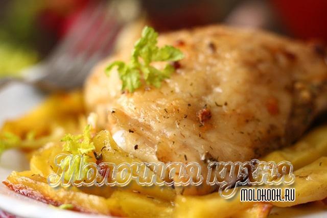 Самые вкусные бедрышки, запеченные с картофелем