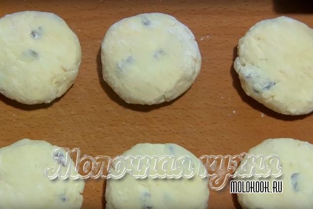 Сырники перед выпеканием