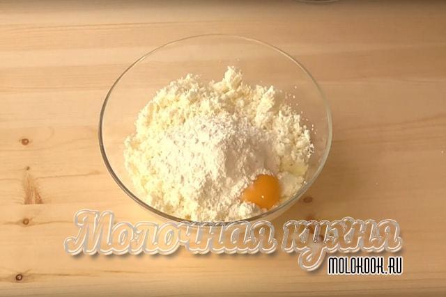 Введение муки в тесто