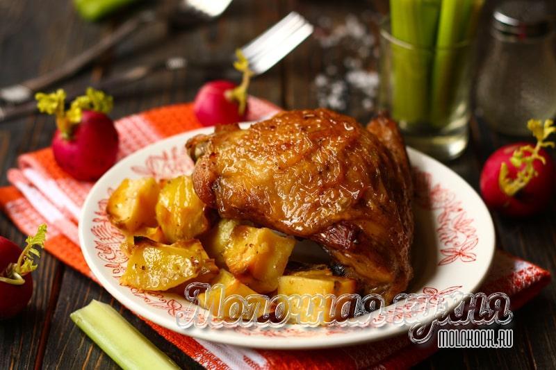Рецепт куриных бедер в духовке с картошкой