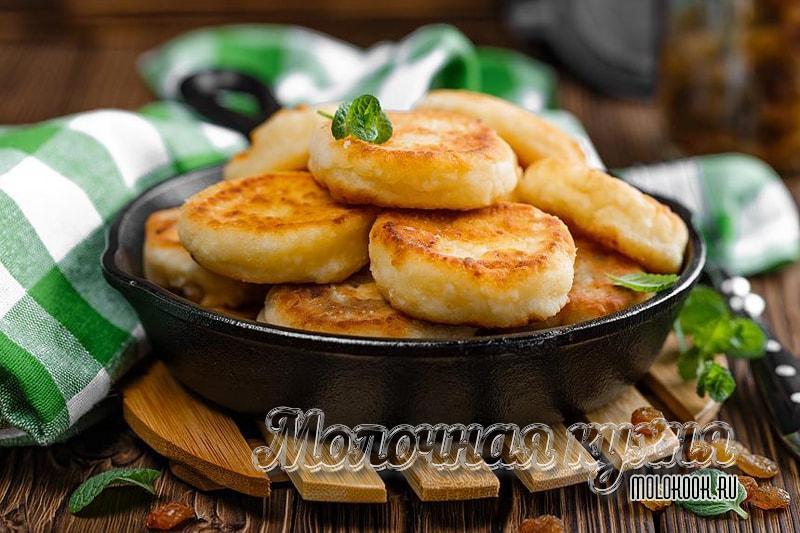 Рецепт пышных творожных сырников на сковороде