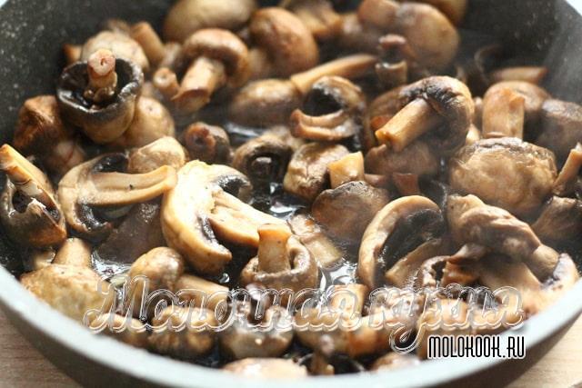 Сок, выделившийся из грибов