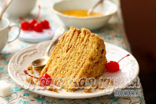 Медовый торт с заварным кремом на молоке