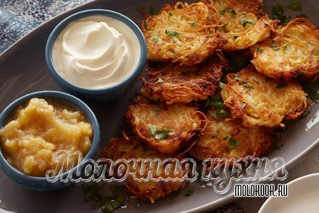 Драники из тертого картофеля по классическому рецепту