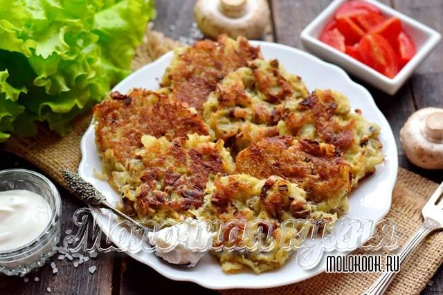 Картофельно-грибные драники с добавлением яйца