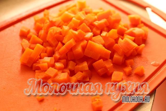 Морковка порезана