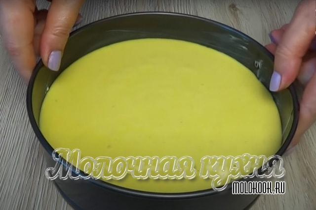 Отправить тесто в жароупорную форму