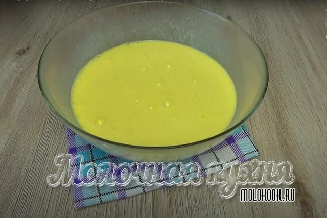 Яйца, взбитые с кефиром