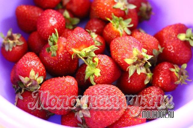 Перебранная и вымытая ягода