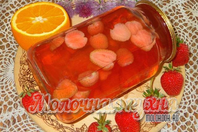 Рецепт клубнично-апельсинового компота