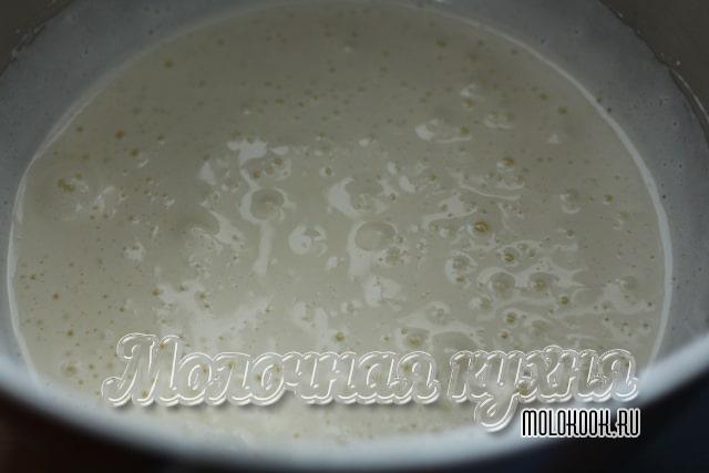 Взбитая яично-сахарная масса