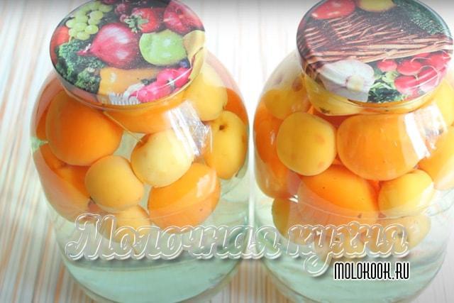 Компот из яблок и абрикосов на зиму
