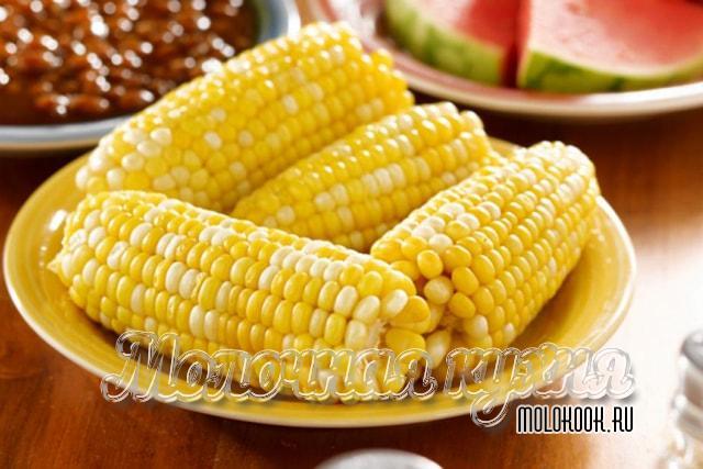 Кукуруза, верная в мультиварке, с добавлением молока