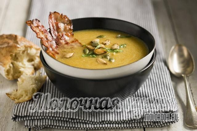 Гороховый крем-суп с грудинкой
