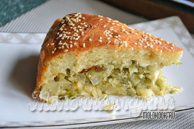 Пирог из кефирно-майонезного теста с капустой
