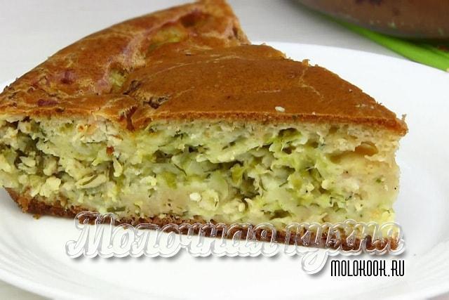 Пирог с сочной начинкой из квашеной капусты