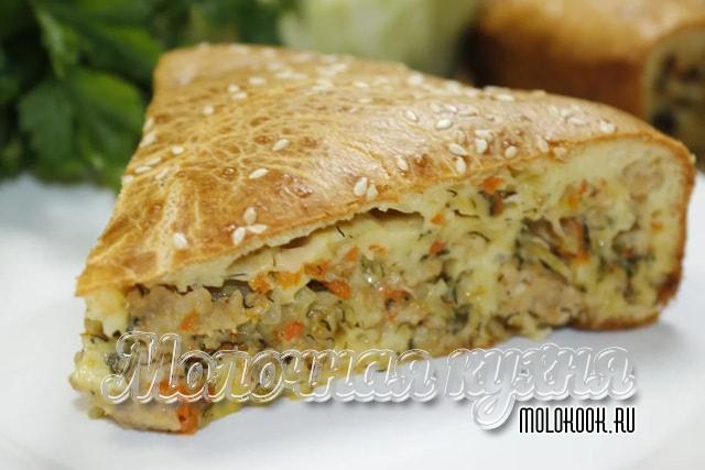 Быстрый пирог с капустно-мясной начинкой