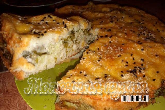 Наливной пирог с начинкой из цветной капусты, с сыром