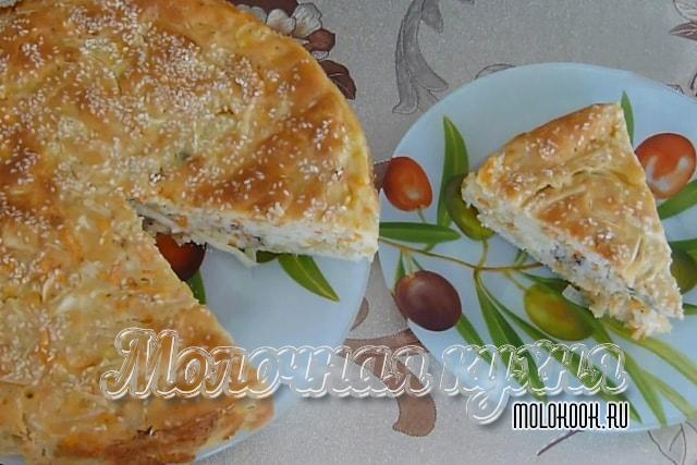 Вкусный заливной пирог с рыбно-капустной начинкой