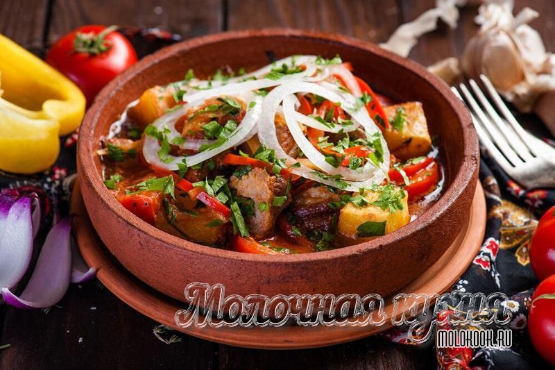 Грузинское оджахури - жареное мясо с картофелем