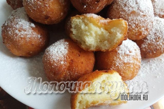 Пончики из творожно-дрожжевого теста