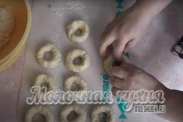 Формовка пончиков