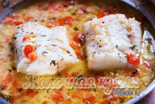 Рецепт приготовления трески в сметанном соусе с овощами