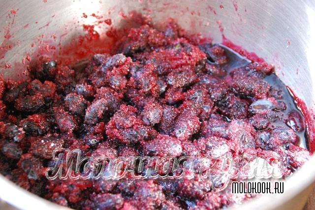 Соотношение сахара и ягод жимолости в варенье