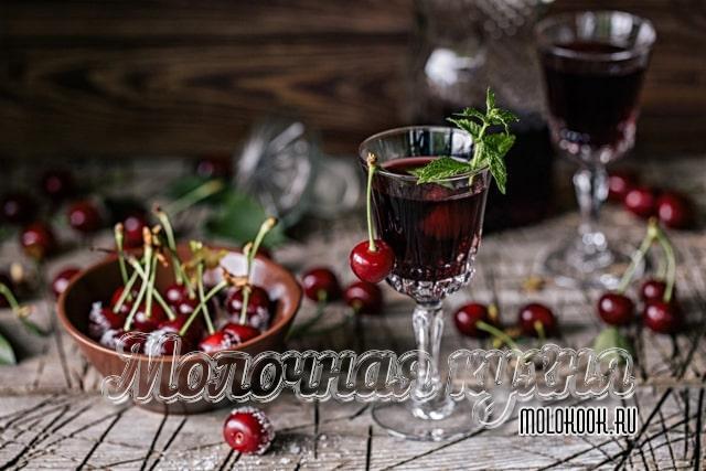 БЫстрый рецепт вишневой наливки из замороженных ягод