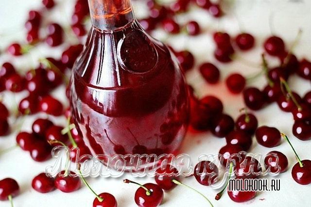 Рецет с добавлением ягод и листьев вишни