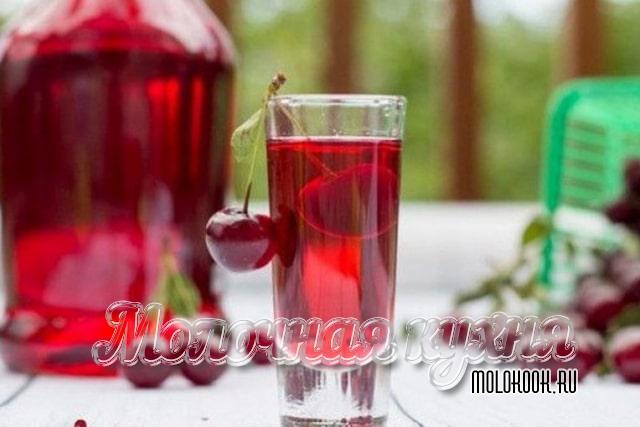 Рецепт вишневой наливки с медом